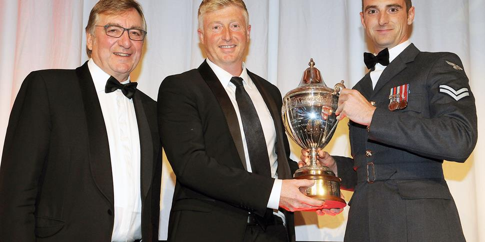 Glen Chapple picks up the Player of the Year Award on behalf of winner Ryan McLaren.jpg